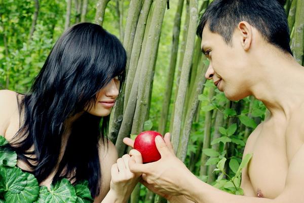 Адам и Ева. Грустно-веселая история сотворения мира